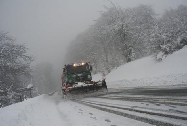 Putevi na području Foče prohodni, obavezna upotreba zimske opreme