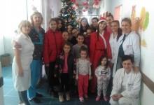 """Učenici OŠ """"Sveti Sava"""" paketićima obradovali djecu u bolnici"""