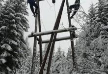 Zbog snijega i vjetra veliki dio opštine ostao bez struje