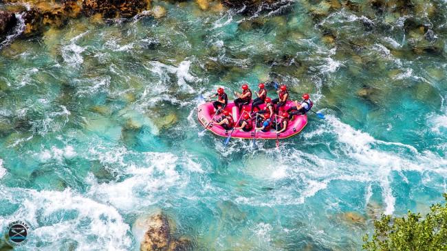 Apel turistima: Na Taru samo sa provjerenim i registrovanim rafterima