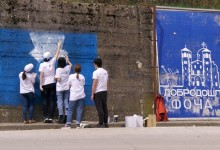 Srednjoškolci muralima mira ukrasili grad