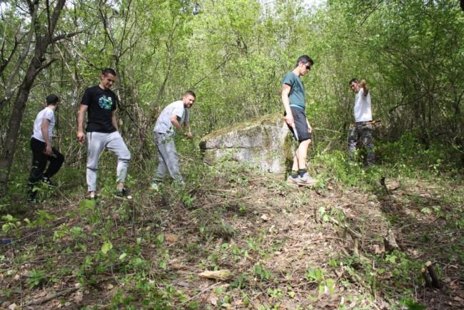 Asocijacija mladih uredila nalazište stećaka iznad Foče