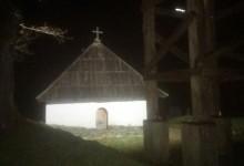 Osvijetljena porta crkve Šklopotnice