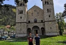 """Speleolozi """"Vučje stope"""" na hodočašću do manastira Ostrog"""