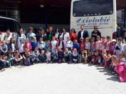 Mališani iz Foče otputovali na ljetovanje u Bečiće